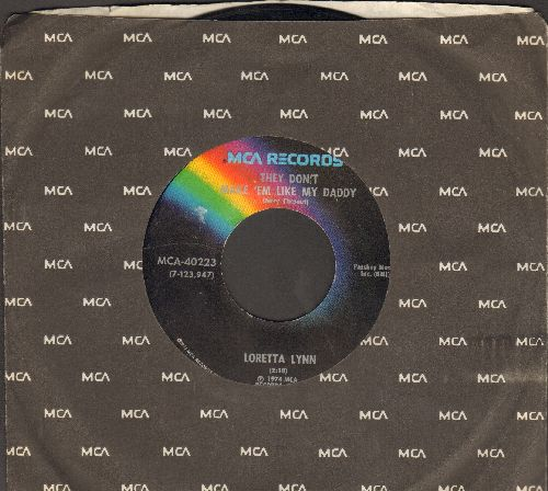 Lynn, Loretta - They Don't Make 'Em Like My Daddy/Nothin' (with MCA company sleeve) - EX8/ - 45 rpm Records