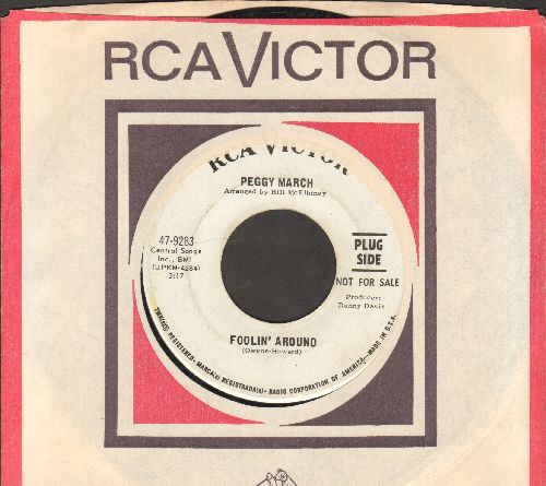 March, Little Peggy - Foolin' Around/This Heart Wasn't Made To Kick Around (DJ advance pressing with RCA company sleeve) - VG7/ - 45 rpm Records