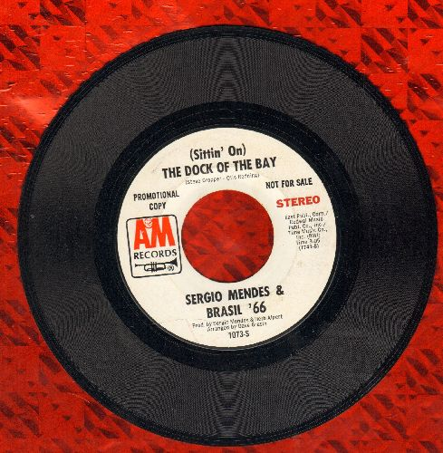 Mendes, Sergio & Brazil '66 - (Sittin' On) The Dock Of The Bay (double-A-sided DJ advance pressing) - EX8/ - 45 rpm Records