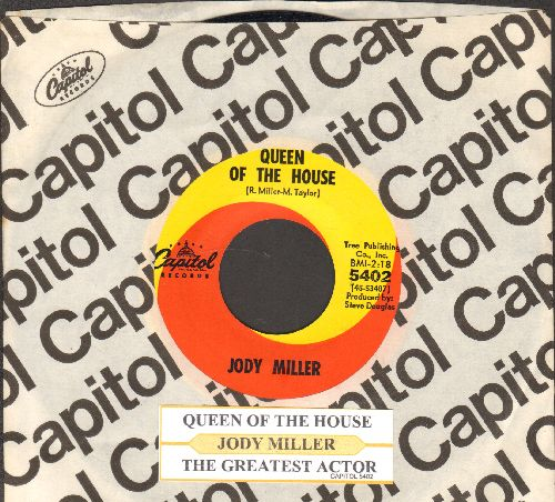 Miller, Jody - Queen Of The House (ANSWER to Roger Miller's Hit -King Of The Road-)/The Greatest Actor (with juke box label and Capitol company sleeve) - NM9/ - 45 rpm Records