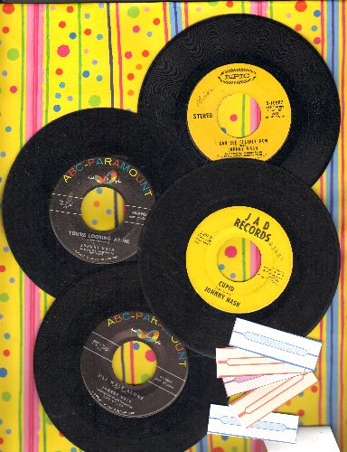 Nash, Johnny - 4-Pack of first issue 45s with 5 blank juke box labels. Includes I Can See Clearly Now, Cupid, You're Looking At Me and I Walk Alone. GREAT for a juke box! - EX8/ - 45 rpm Records