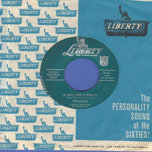 Patience & Prudence - Tonight You Belong To Me/A Smile And A Ribbon (with Liberty company sleeve) - EX8/ - 45 rpm Records