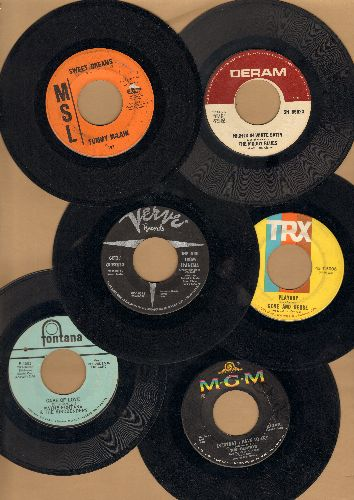 Gentrys, Tommy McLean, Gene & Debbe, Getz/Gilberto, Moody Blues, Mindbenders - 60s 6-Pack of fist pressing 45s. Hits include Everyday I Have To Cry Some, Sweet Dreams, Playboy, Girl FromIpanema, Nights In White Satin,Game Of Love. Shipped in plain white p