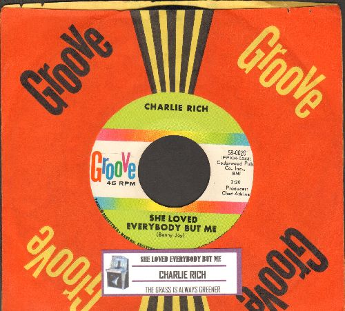 Rich, Charlie - She Loved Everybody But Me/The Grass Is Always Greener (with RARE vintage Groove company sleeve and juke box label) - NM9/ - 45 rpm Records