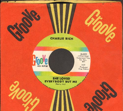 Rich, Charlie - She Loved Everybody But Me/The Grass Is Always Greener (with RARE vintage Groove company sleeve) - NM9/ - 45 rpm Records