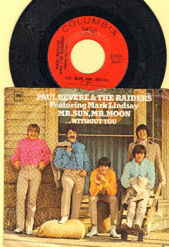 Revere, Paul & The Raiders - Mr. Sun, Mr. Moon/Without You (with picture sleeve) - NM9/VG7 - 45 rpm Records