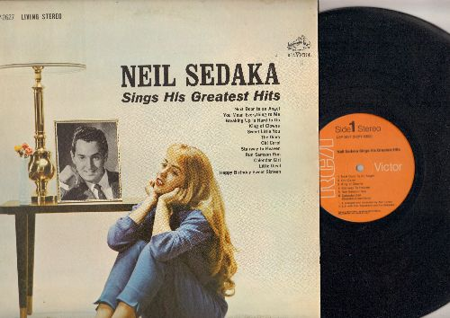 Sedaka, Neil - Sings His Greatest Hits: Next Door To An Angel, Breaking Up Is Hard To Do, Oh Carol, Stairway To Heaven, Calendar Girl, Little Devil, Happy Birthday Sweet Sixteen (vinyl STEREO LP record, 1970s pressing) - NM9/EX8 - LP Records