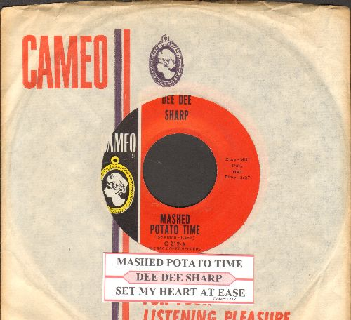 Sharp, Dee Dee - Mashed Potato Time (It's The Latest, It's The Greatest)/Set My Heart At Ease (with RARE vintage Cameo company sleeve and juke box label) - NM9/ - 45 rpm Records