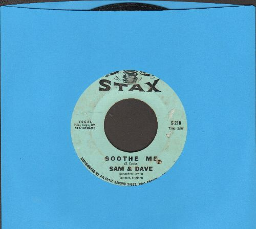 Sam & Dave - Soothe Me/I Can't Stand For Falling Down (bb) - VG7/ - 45 rpm Records