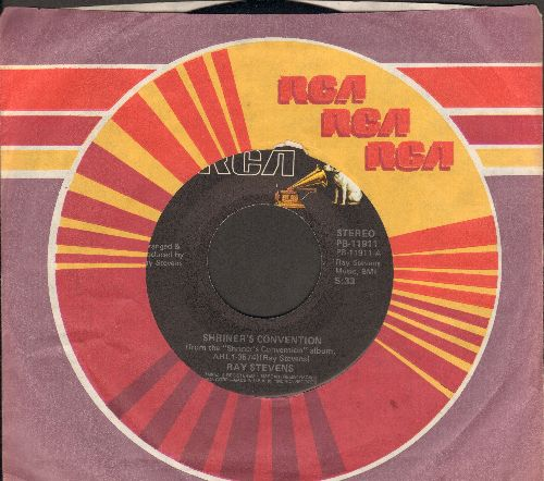 Stevens, Ray - Shriner's Convention/You're Never Going To Tampa With Me (with RCA company sleeve) - EX8/ - 45 rpm Records