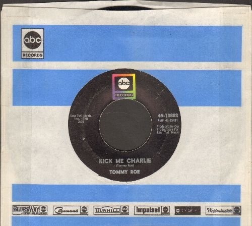 Roe, Tommy - Kiss Me Charlie/It's Now Winters Day (with ABC company sleeve) - VG7/ - 45 rpm Records