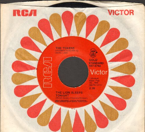 Tokens - The Lion Sleeps Tonight/B'wa Nina (ALTERNATE flip-side!) (early red label re-issue with vintage RCA company sleeve) - NM9/ - 45 rpm Records