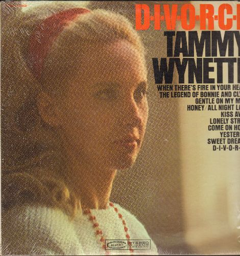 Wynette, Tammy - D-I-V-O-R-C-E: Sweet Dreams, Yesterday, Lonely Street, Kiss Away, Bonnie And Clyde (Vinyl STEREO LP record with shrink wrap) - NM9/NM9 - LP Records