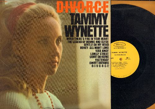 Wynette, Tammy - D-I-V-O-R-C-E: Sweet Dreams, Yesterday, Lonely Street, Kiss Away, Bonnie And Clyde (Vinyl STEREO LP record, wol) - EX8/EX8 - LP Records