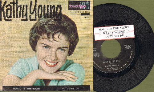 Young, Kathy - Magic Is The Night/Du Dun't Du (with picture sleeve and juke box label, sol) - VG7/EX8 - 45 rpm Records